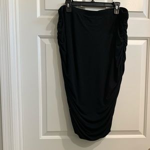 Vince Camuto Black Cinched skirt